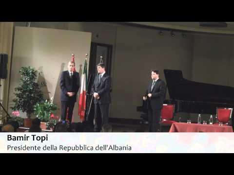 Gli albanesi a Torino applaudono il sindaco Piero Fassino e Bamir Topi