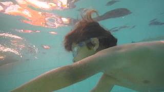 preview picture of video 'Eitan in Even Yehuda swimming pool 1'