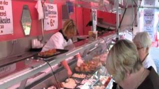 preview picture of video 'Krupke Geflügelspezialitäten auf dem Domshof Wochenmarkt'