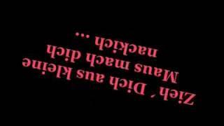 Musik-Video-Miniaturansicht zu Zieh dich aus kleine Maus Songtext von Mickie Krause