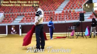 preview picture of video 'clases practicas de toreo de muleta con Fernando Cruz y jose Manuel Mas en Illescas'