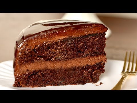Video Chocolate Cake Recipe in Hindi | Easy Moist Chocolate Cake at Home