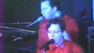 Devo - Working In A Coal Mine Live Chicago 1988 - RodrigoDM