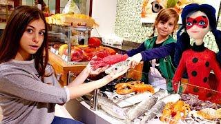 Леди Баг и Квин Би пришли в магазин - Играем в супермаркет для детей.