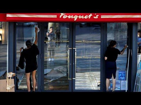 العرب اليوم - شاهد: مطعم فوكيه الفاخر يفتتح أبوابه مجددًا في شارع الشانزليزيه في باريس