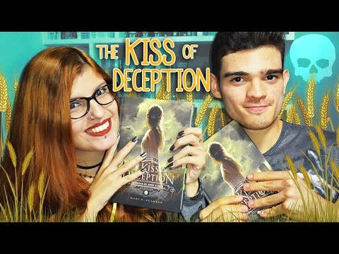 THE KISS OF DECEPTION (feat. Estante de Prata) | Poison Books