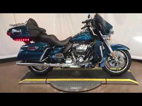 2020 Harley-Davidson® Ultra Limited FLHTK