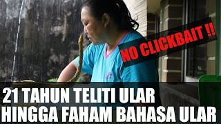Video THIS PARAKAN LADY CAN TALK WITH SNAKES MP3, 3GP, MP4, WEBM, AVI, FLV Agustus 2019