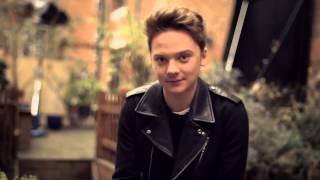Conor Maynard, -Conor Maynard Surprises a Fan