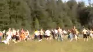 preview picture of video 'KSZO Ostrowiuec vs. Korona  Kielce (banda na bande) Hooligans Poland 2007'