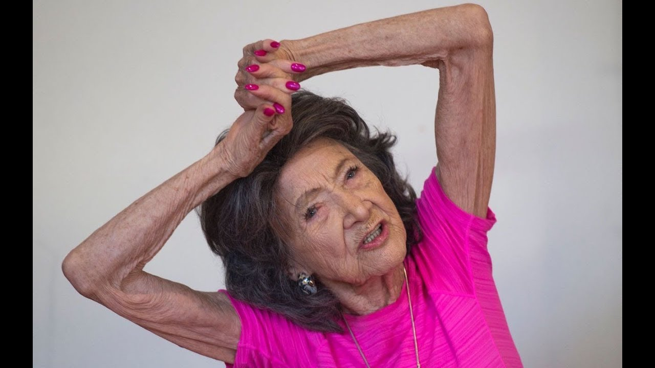 The World's Oldest Yoga Teacher Has Some Wise Words On Living Life To The Fullest