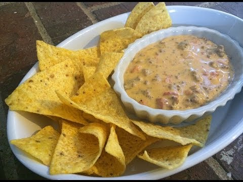 Video Easy Queso Dip