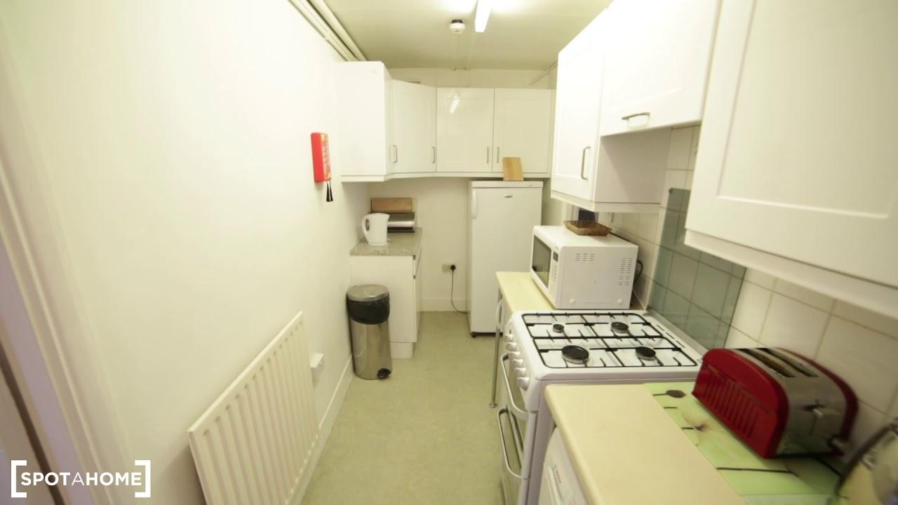 Stylish 1-bedroom flat to rent in Kensington, London