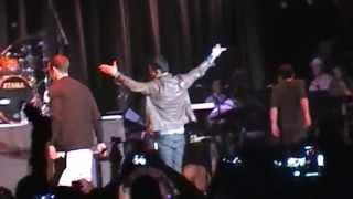 Jordan Knight & Donnie Wahlberg Performing Stingy