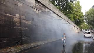 Водное охлаждение на набережной Парижа