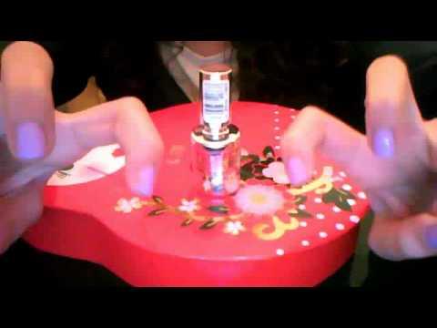 Fungo di trattamento di unghie di una goccia e una targa