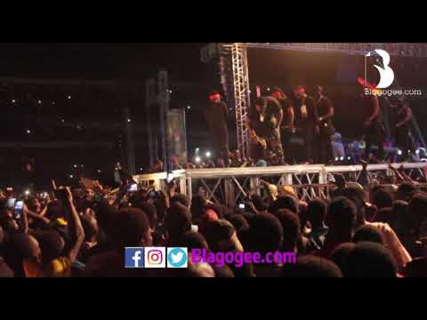 S-Concert: Shatta Wale slaps bodyguard at S-concert