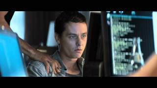 """WHO AM I - KEIN SYSTEM IST SICHER - Clip """"Clay im Netz"""" - Ab 25.9. im Kino!"""