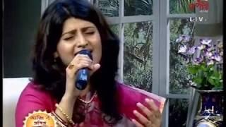 Chanda Re Chanda Re LIVE   Madhuraa   - YouTube