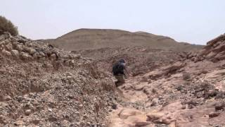preview picture of video 'Slipping and Sliding - Hiking in Jordan'