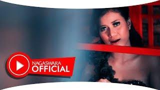 Download lagu Nuri Melani Cincin Pernikahan Mp3