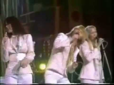 Pick A Bale Of Cotton / On Top Of Old Smokey / Midnight Special (medley) Lyrics – ABBA