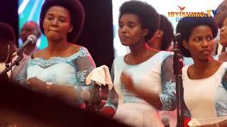 CHORALE  SHALOM IGARAGAJE UBUSIRIMU BWINSHI, IMIBYINIRE IDASANZWE  MU GITARAMO CYAYO