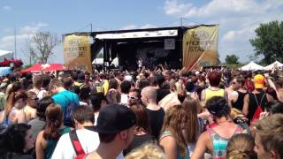 """Chiodos - """"Two Birds Stoned At Once"""" Live @ Warped Tour 2013 (Tinley Park, Illinois)"""