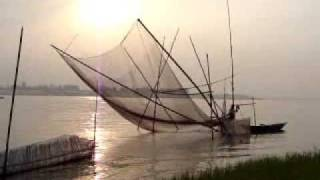 preview picture of video 'Fishing of Jumuna river in sirajgonj,Bangladesh.'