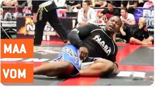 Fighter Farts In Opponent's Face | Ultimate Beef Stew