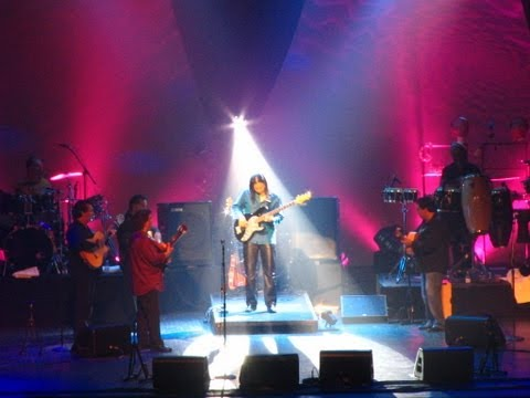 Gipsy Kings — Xavier Padilla bass solo — live in London