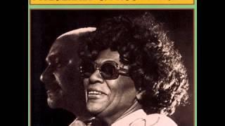 Ella Fitzgerald & Joe Pass - I've Got The World On A String