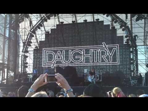 Daughtry go down Hershey 8 5 2017