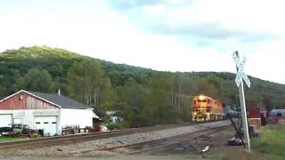 preview picture of video 'Buffalo & Pittsburgh Railroad Freight along the Allegheny Railroad in Tiona, PA September 15, 2011'