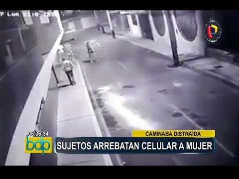 Chimbote: cámara capta violento robo de teléfono celular