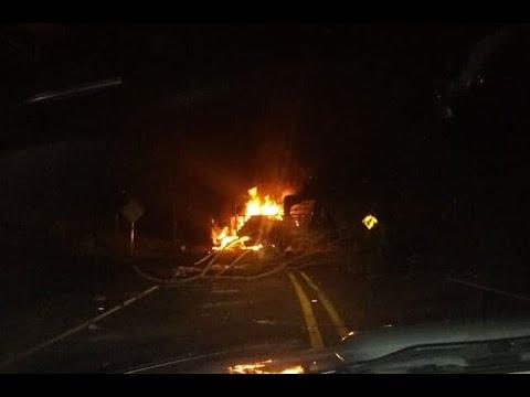 Incineran camion en medio de bloqueo sobre la via Panamericana entre Cali y Popayan
