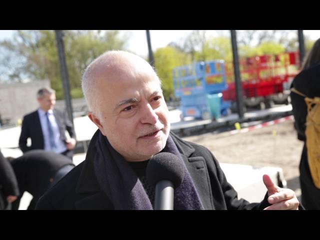 Grundsteinlegung, Interview mit Yadegar Asisi