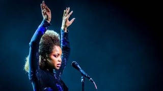 Erykah Badu - You Don't Have To Cry Live at The Taste of Chicago 2015