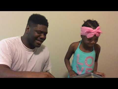 Aubrey & DAD makes Jello