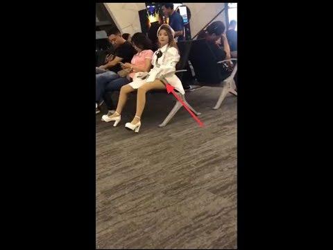 【抖音熱搜榜】美女機場偷偷自衛?還不忘問一下味道