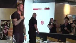 Randy Orton, Lasuperstar De La WWE, En Dédicace Exceptionnelle
