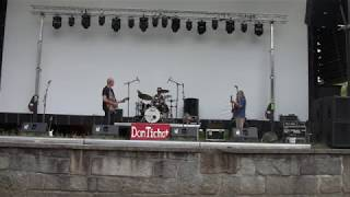 Video Don Tichot: Ompletní (živě)