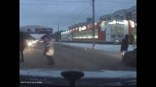 Водитель ВАЗа наехал на женщину