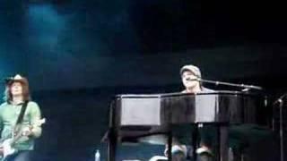 Gavin DeGraw - She Holds The Key
