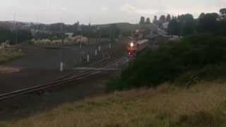 preview picture of video 'N-Class V/Line Locomotive leaving Warrnambool'