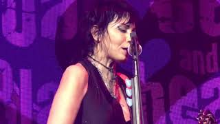 Joan Jett - Real Wild Child (Wild One) / Everyday People - Noblesville IN 7/11/2018