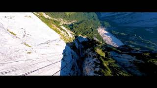 Mountain Surfing FPV