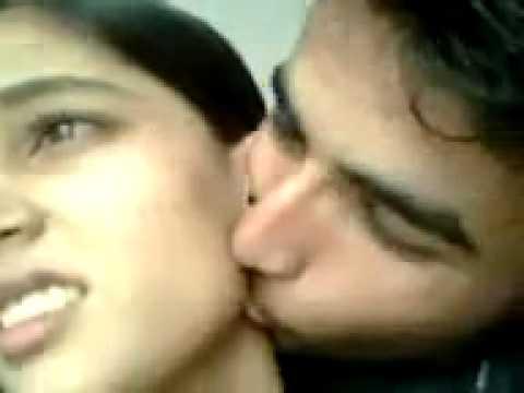 SEXY KISS BY PAKISTANI BOY