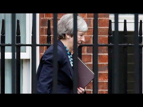 Την αναβολή της ψηφοφορίας για το Brexit ανακοίνωσε η Τερέζα Μέι…