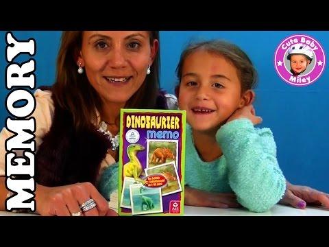 Miley spielt ein Dinosaurier Memory Spiel mit ihrer Mama - Kanal für Kinder